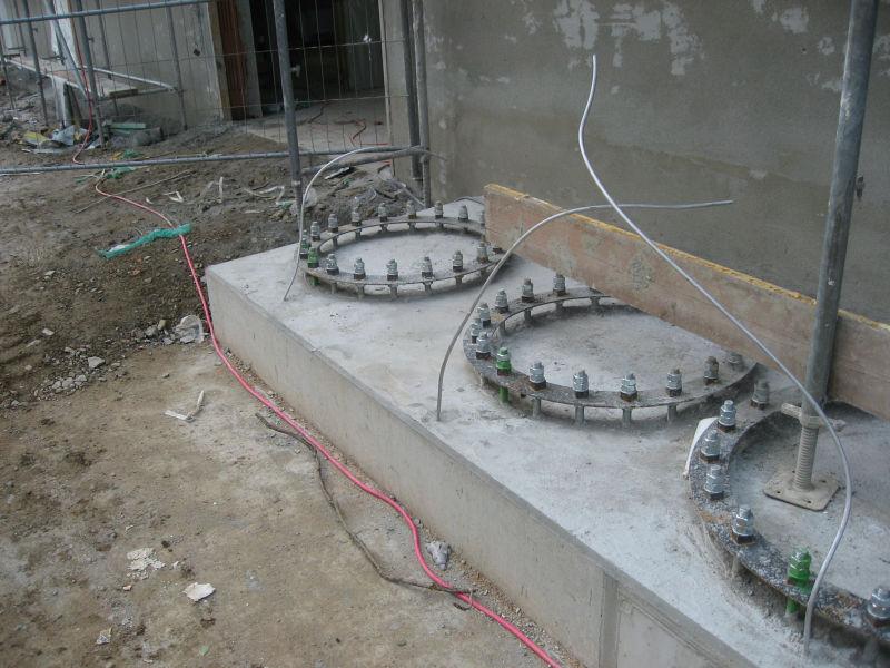 Schornsteinfundament für 3 große Wärmeerzeuger